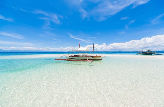 beautiful turquoise sea on the Philippine island