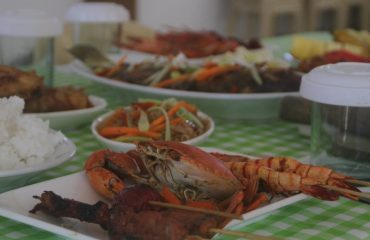 Seafood lunch served during Boracay Island Hopping Trip