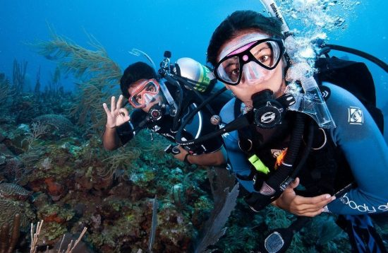 Learning how to dive in Palawan