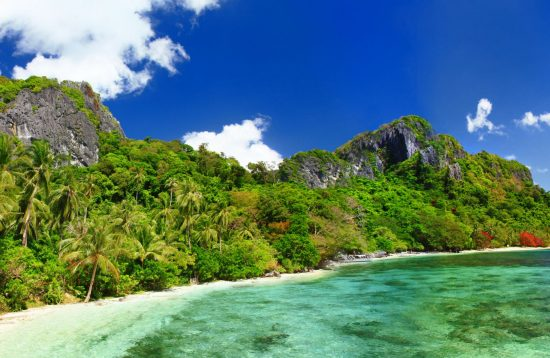 Panoramic view of deserted beach in El Nido