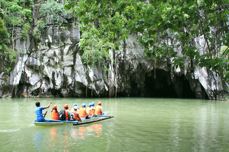 Group of tourists visiting the Underground River