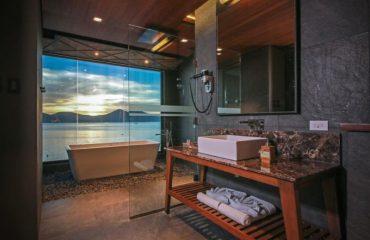 Two Season Coron Bayside Hotel