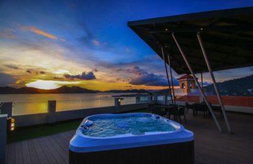Jacuzzi Pool - Two Season Coron Bayside Hotel