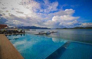 Infinity pool - Two Season Coron Bayside Hotel