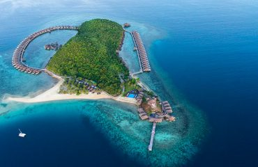 huma-island-resort-and-spa-about-the-island-about-the-island-00